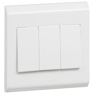 Legrand Belanko 3-gang-switch_617004